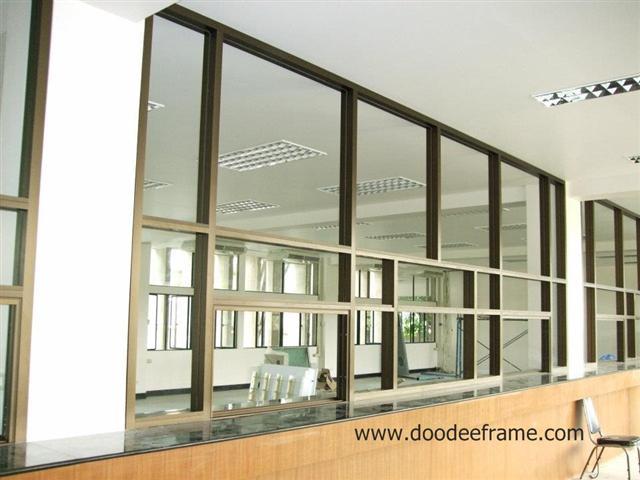 ดูดีเฟรม ออกแบบติดตั้ง กระจกอลูมิเนียม บานเลื่อน บานสวิง บานแขวน บานเฟี้ยม บานเปลือย กระจกห้องน้ำ