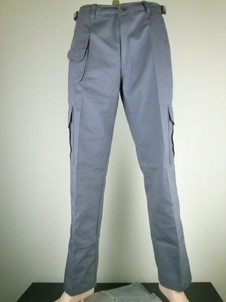 กางเกงช่างหรือกางเกงช็อปสำเร็จรูปพร้อมใช้งานสำหรับชายหญิงมีให้เลือกหลากหลายแบบและสั่งในจำนวนมากๆ